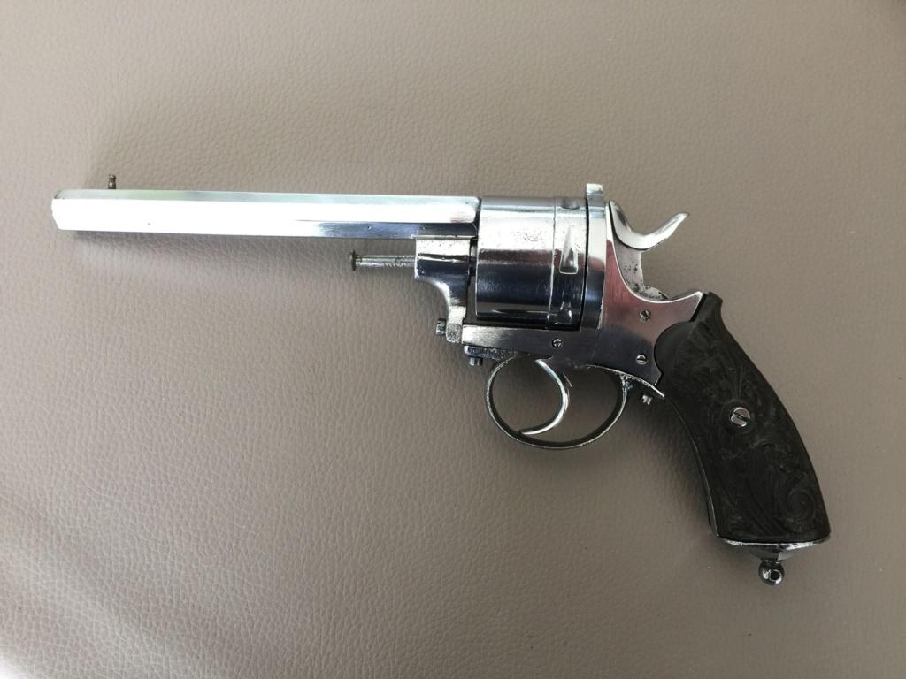 Identification Revolver belge 85addd10