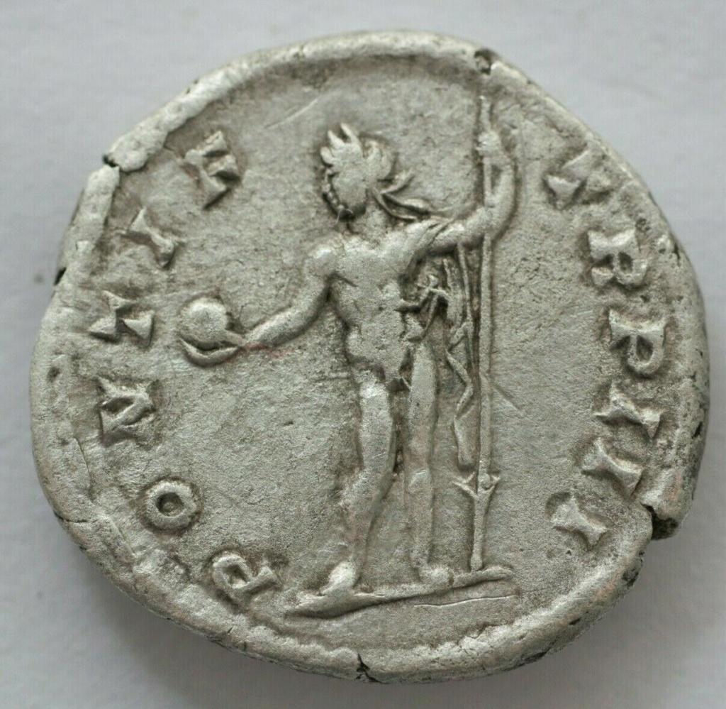 Denario de Caracalla. PONTIF TR P III. Sol estante a izq. Roma. Caraca11