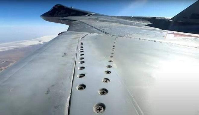 Su-57 Stealth Fighter: News #7 - Page 30 Su-57-12