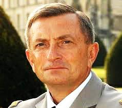 2021/03/18 Général Vincent Desportes : RECONSTRUIRE LA DEFENSE DU TERRITOIRE Franza12