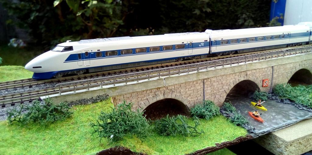 Wanni-san und seine Shinkansen (in Spur N) 100-0710