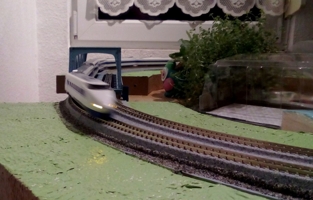 Wanni-san und seine Shinkansen (in Spur N) 100-1010