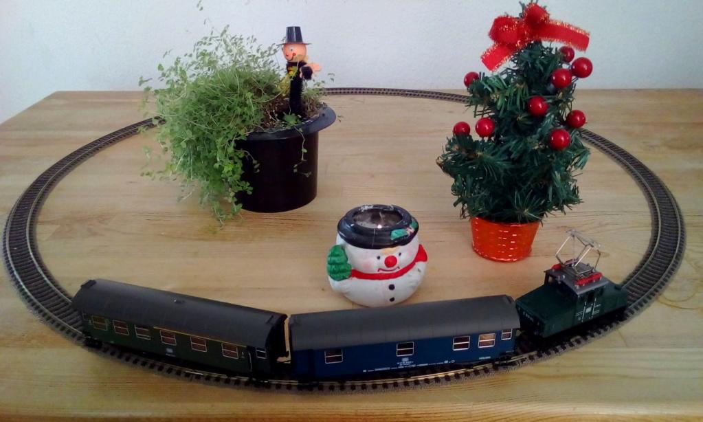 Die besinnliche um den Adventskranz/Weihnachtsbaum Rennbahn Anlage 1adven10