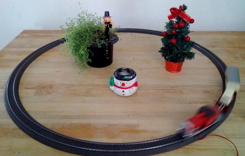 Die besinnliche um den Adventskranz/Weihnachtsbaum Rennbahn Anlage 1adven19