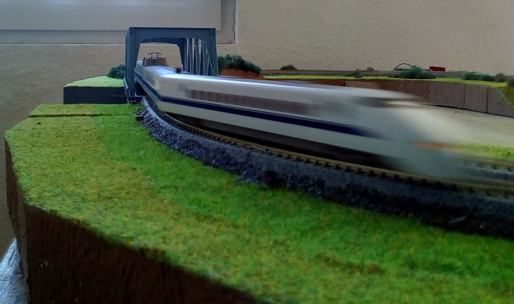 Wanni-san und seine Shinkansen (in Spur N) 300-e10