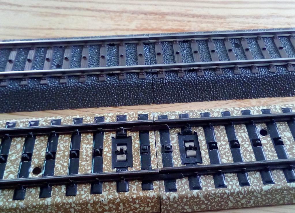 Weitere noch seltsamere Methoden des H.P. Wanninger: Karton-Module für H0 C-00610