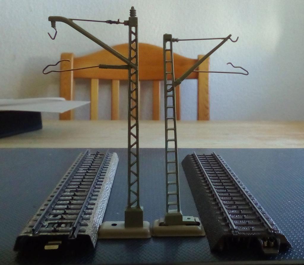Weitere noch seltsamere Methoden des H.P. Wanninger: Karton-Module für H0 C-00810