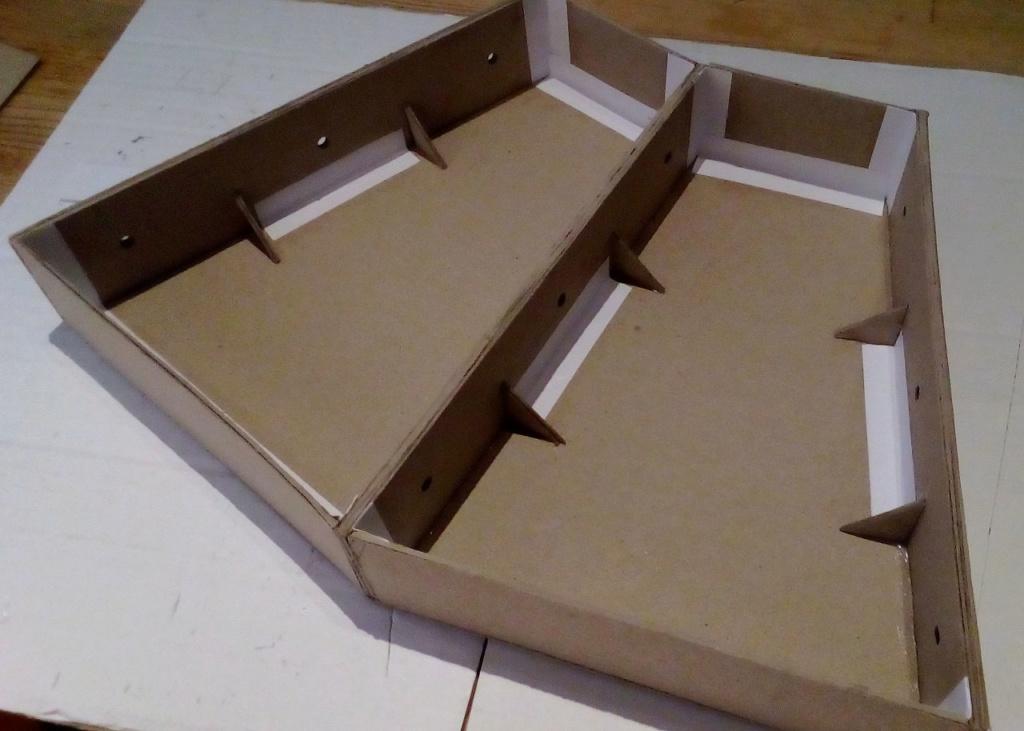 Die seltsamen Methoden des H.P. Wanninger: Karton-Modul-Tischanlage in Spur N Kato-016