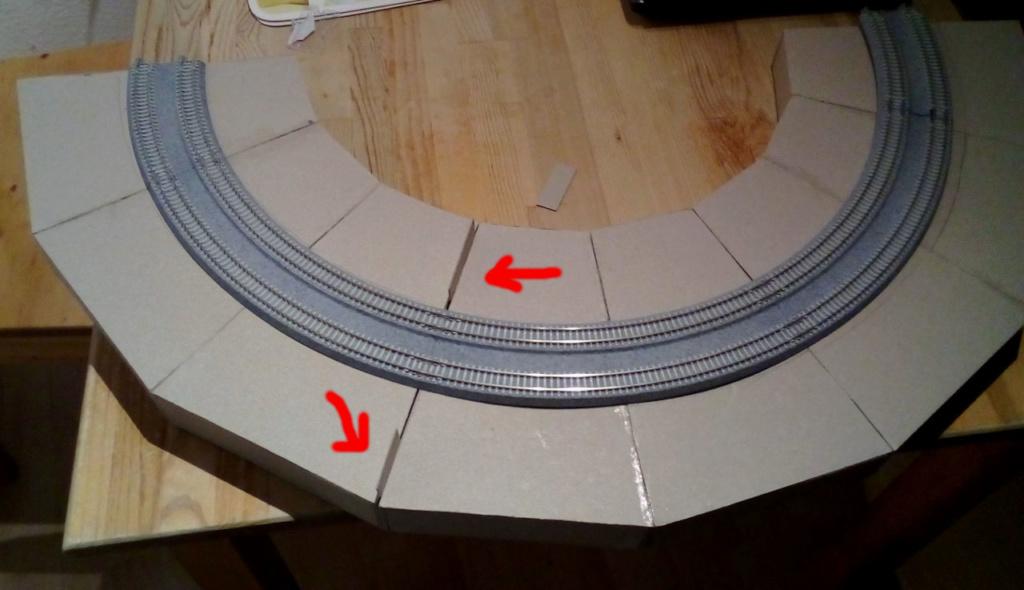 Die seltsamen Methoden des H.P. Wanninger: Karton-Modul-Tischanlage in Spur N Kato-018