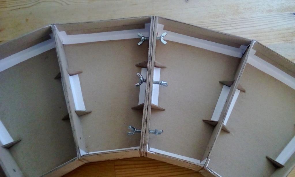 Die seltsamen Methoden des H.P. Wanninger: Karton-Modul-Tischanlage in Spur N Kato-035