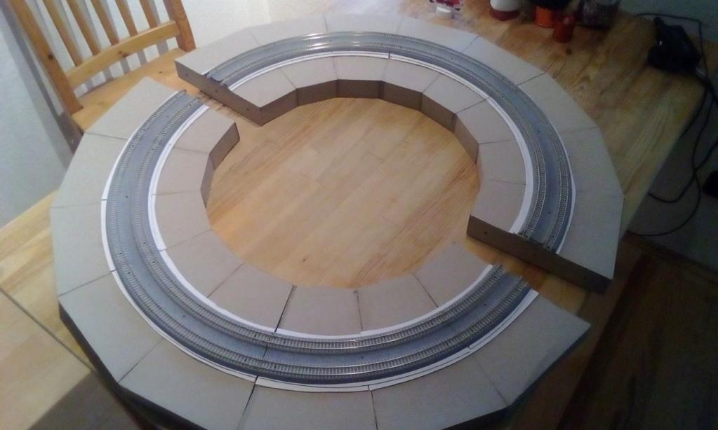 Die seltsamen Methoden des H.P. Wanninger: Karton-Modul-Tischanlage in Spur N - Seite 2 Kato-042