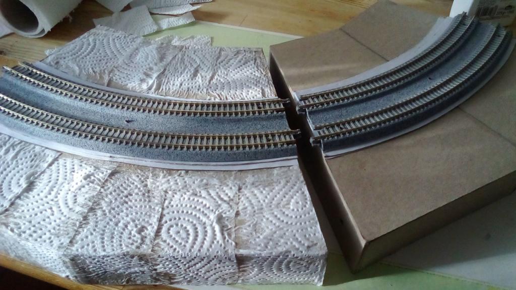 Die seltsamen Methoden des H.P. Wanninger: Karton-Modul-Tischanlage in Spur N - Seite 2 Kato-050