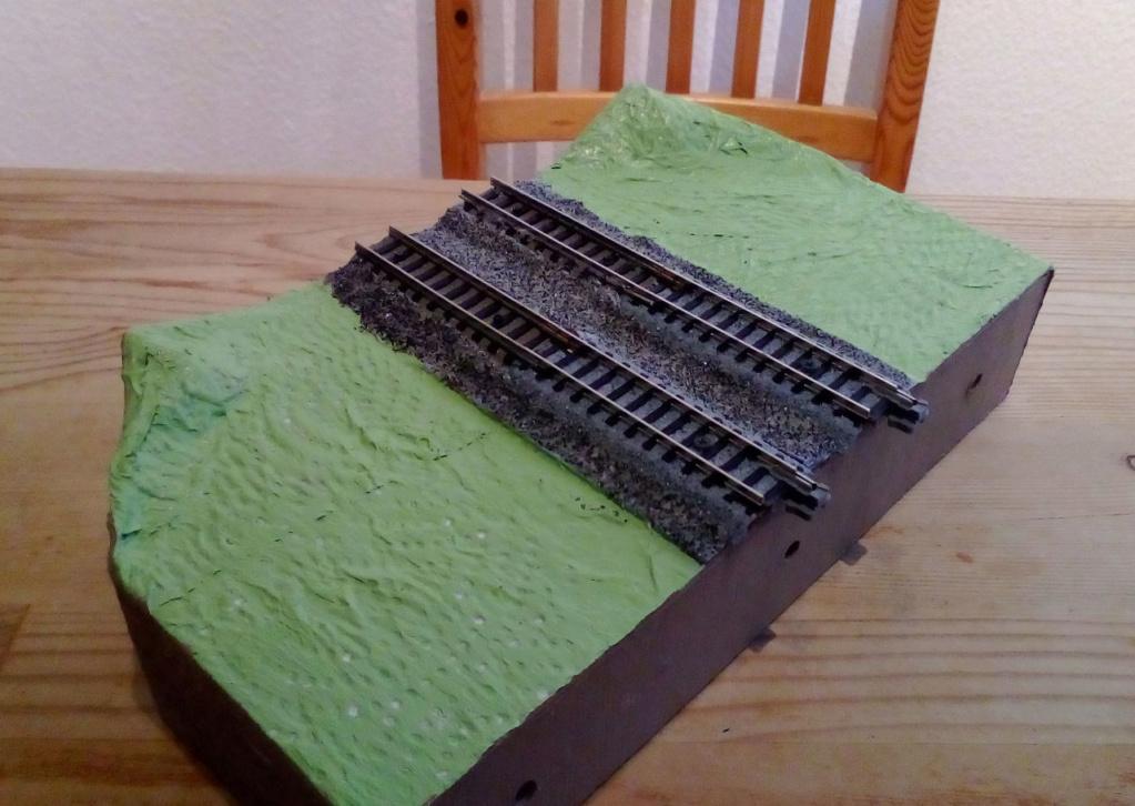Die seltsamen Methoden des H.P. Wanninger: Karton-Modul-Tischanlage in Spur N - Seite 3 Kato-070