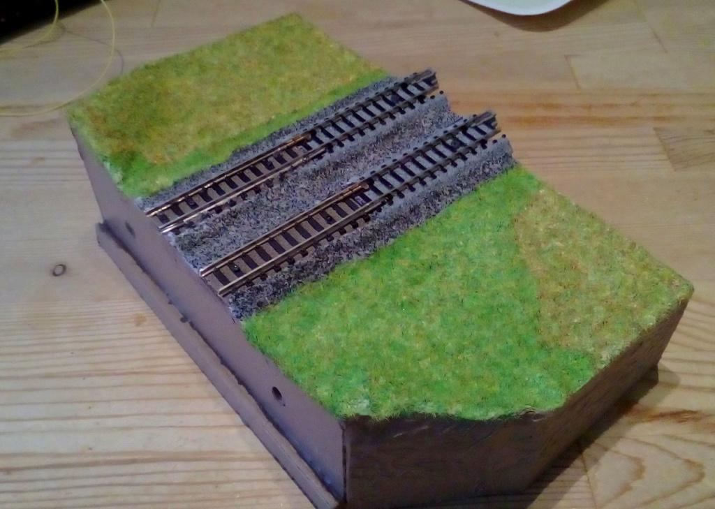 Die seltsamen Methoden des H.P. Wanninger: Karton-Modul-Tischanlage in Spur N - Seite 3 Kato-072