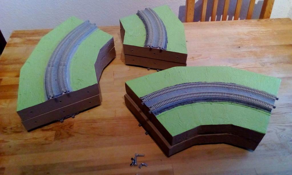 Die seltsamen Methoden des H.P. Wanninger: Karton-Modul-Tischanlage in Spur N - Seite 4 Kato-099