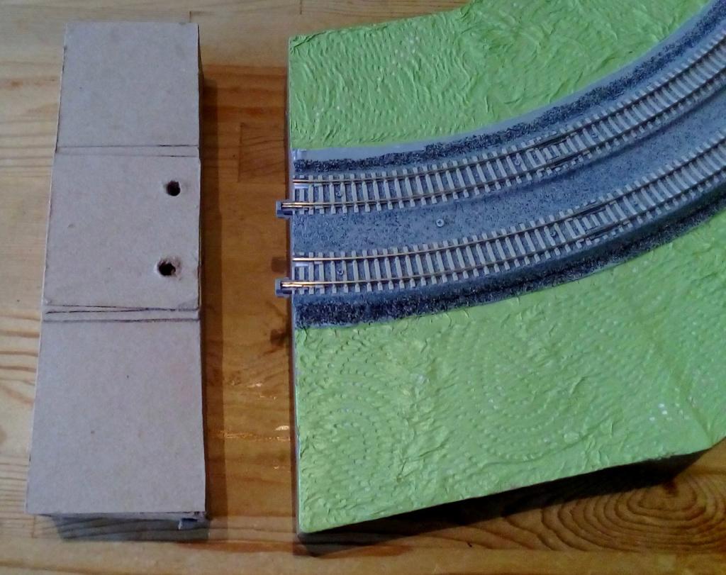 Die seltsamen Methoden des H.P. Wanninger: Karton-Modul-Tischanlage in Spur N - Seite 4 Kato-111
