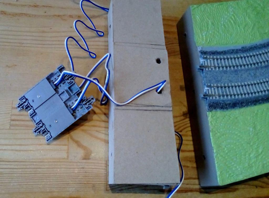Die seltsamen Methoden des H.P. Wanninger: Karton-Modul-Tischanlage in Spur N - Seite 4 Kato-112