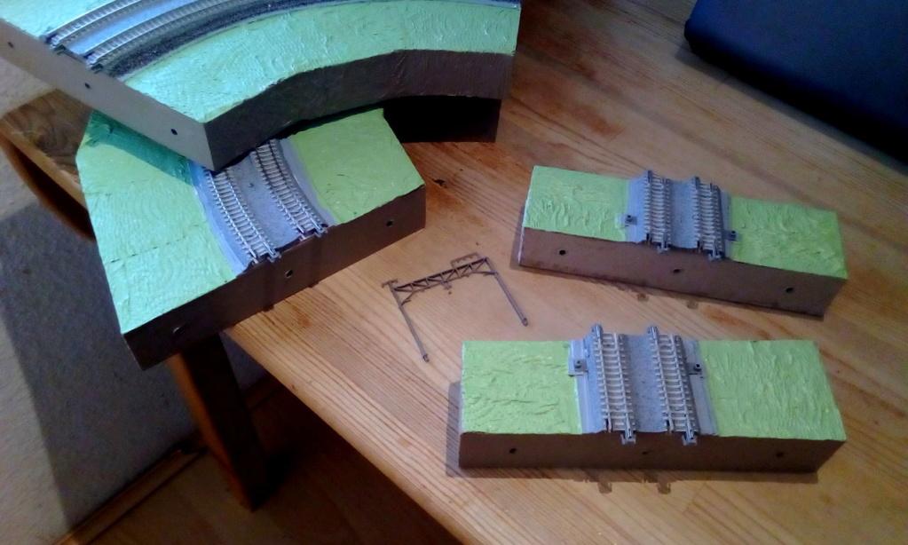Die seltsamen Methoden des H.P. Wanninger: Karton-Modul-Tischanlage in Spur N - Seite 4 Kato-115