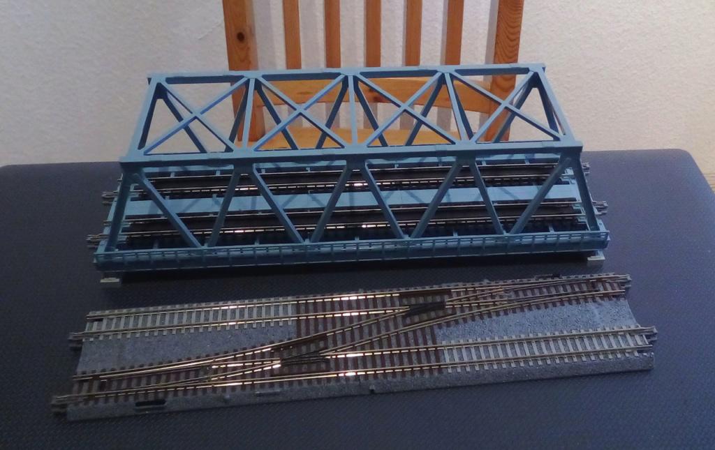 Die seltsamen Methoden des H.P. Wanninger: Karton-Modul-Tischanlage in Spur N - Seite 4 Kato-140