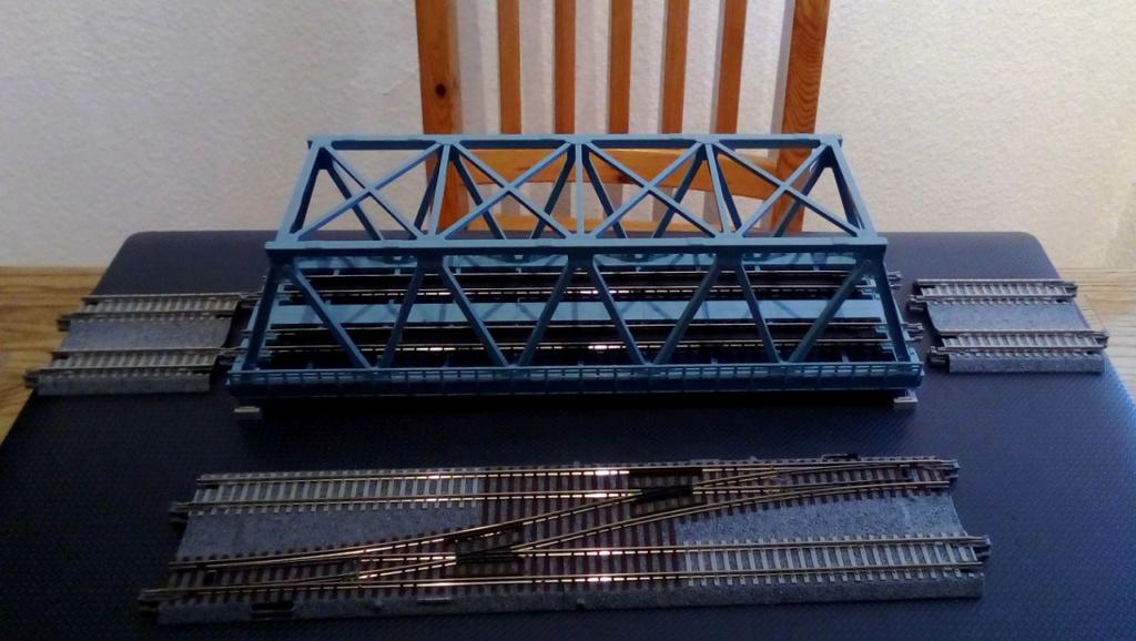 Die seltsamen Methoden des H.P. Wanninger: Karton-Modul-Tischanlage in Spur N - Seite 4 Kato-141