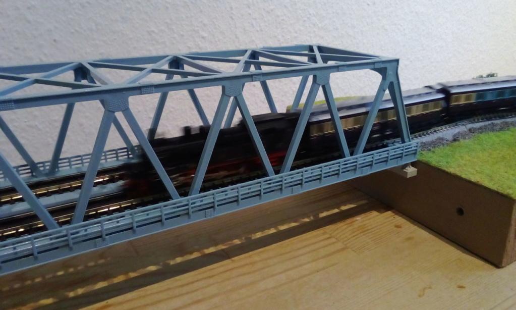Die seltsamen Methoden des H.P. Wanninger: Karton-Modul-Tischanlage in Spur N - Seite 4 Kato-152
