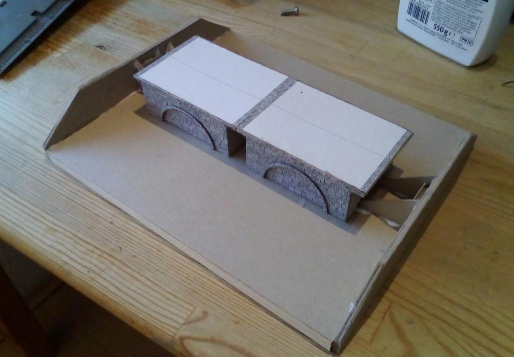 Die seltsamen Methoden des H.P. Wanninger: Karton-Modul-Tischanlage in Spur N - Seite 5 Kato-157