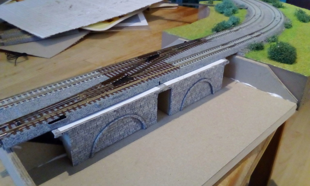Die seltsamen Methoden des H.P. Wanninger: Karton-Modul-Tischanlage in Spur N - Seite 5 Kato-158