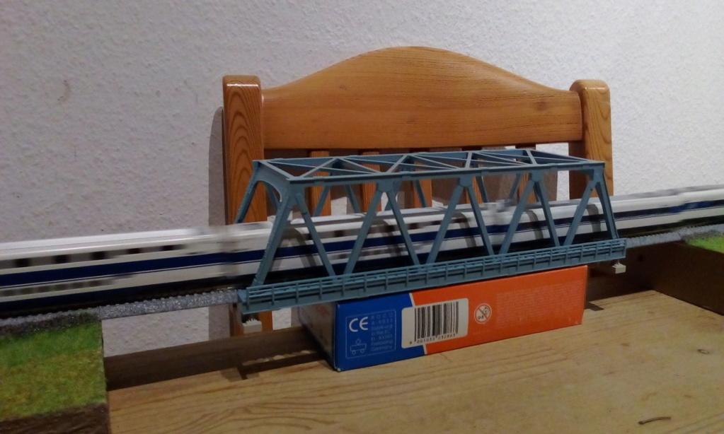 Die seltsamen Methoden des H.P. Wanninger: Karton-Modul-Tischanlage in Spur N - Seite 5 Kato-180