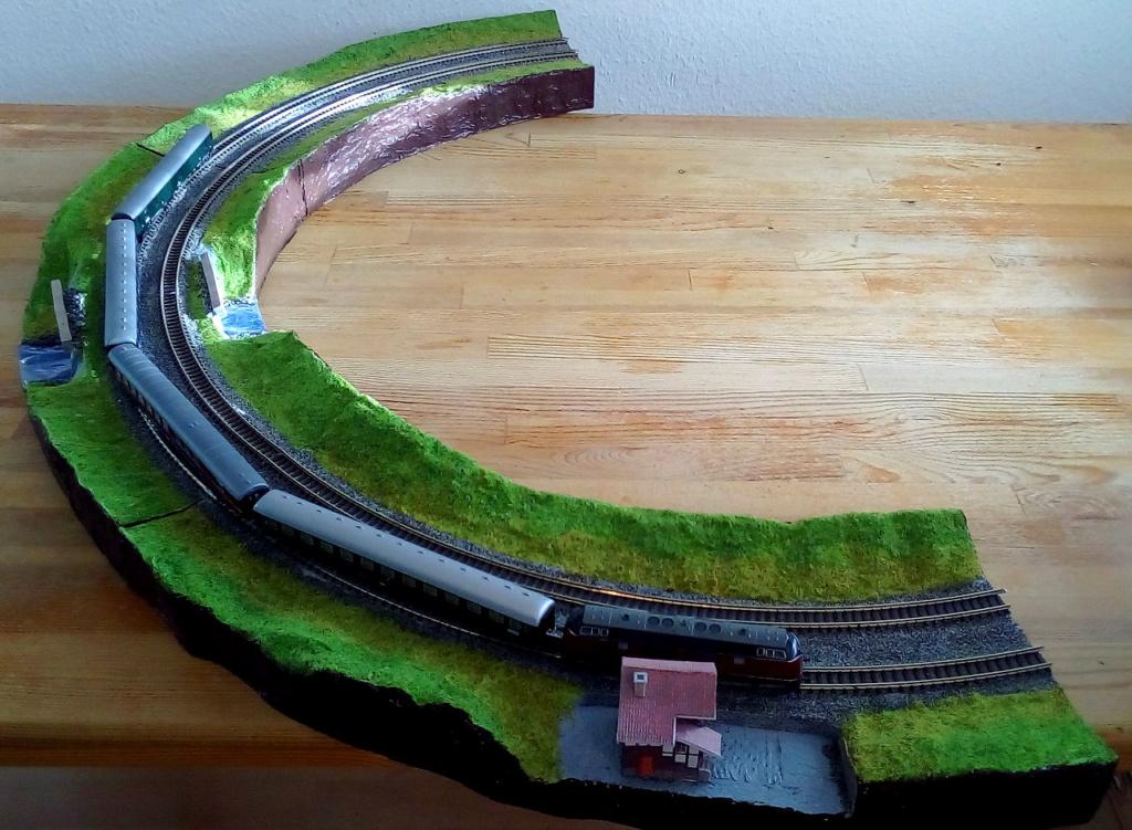 Die seltsamen Methoden des H.P. Wanninger: Karton-Modul-Tischanlage in Spur N Modul-11