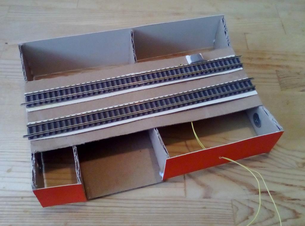 Weitere noch seltsamere Methoden des H.P. Wanninger: Karton-Module für H0 N-6310