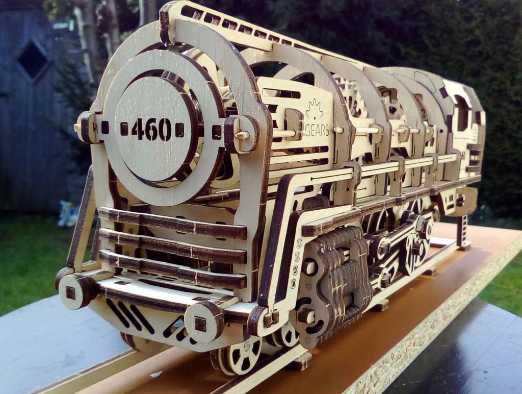 Lokomotive mit Tender UG460 von UGEARS U-460-10