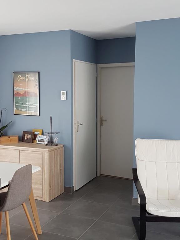 Porte des toilettes côté salon 20200311