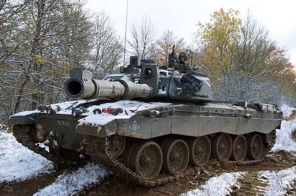 2020/11/09 Une étincelle pour une prochaine guerre mondiale ? Tank-b10