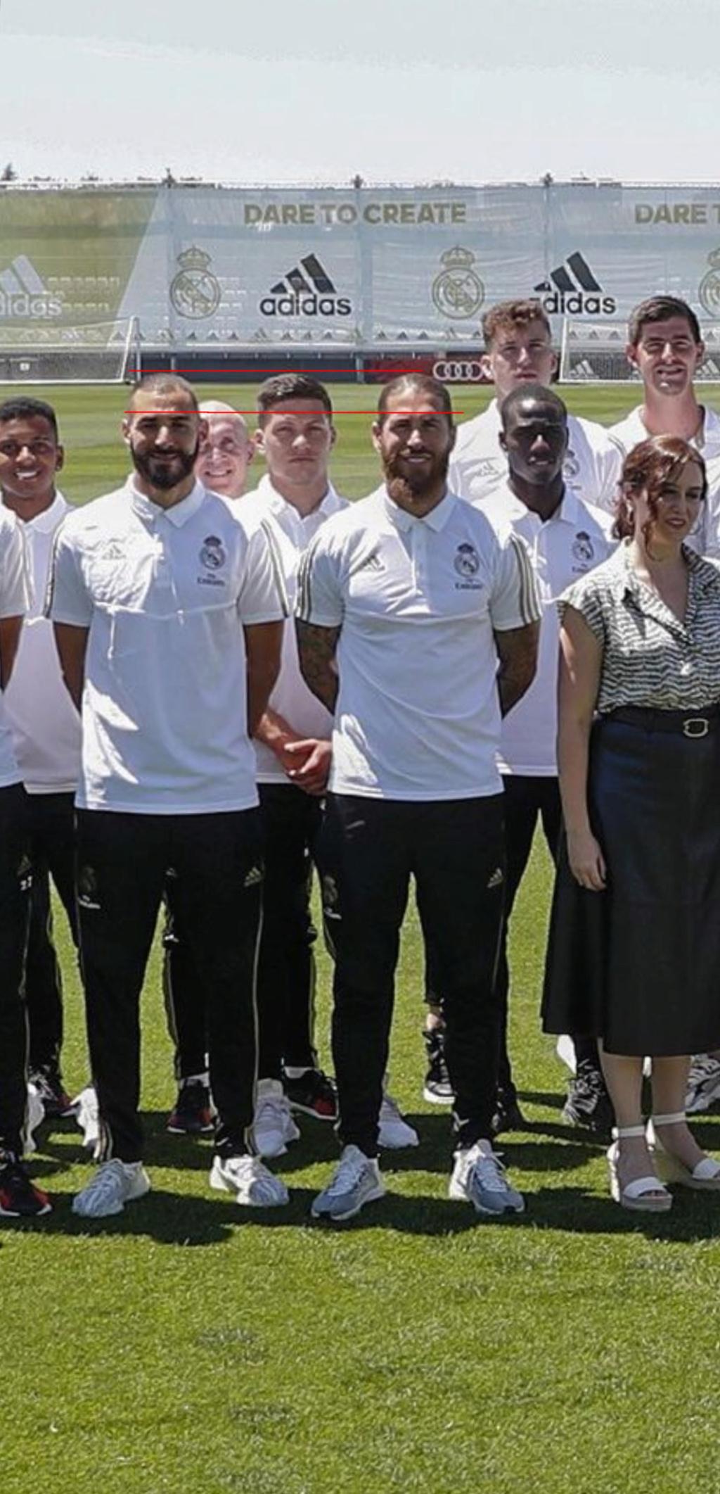 ¿Cuánto mide Karim Benzema? - Altura - Real height 84_sin10