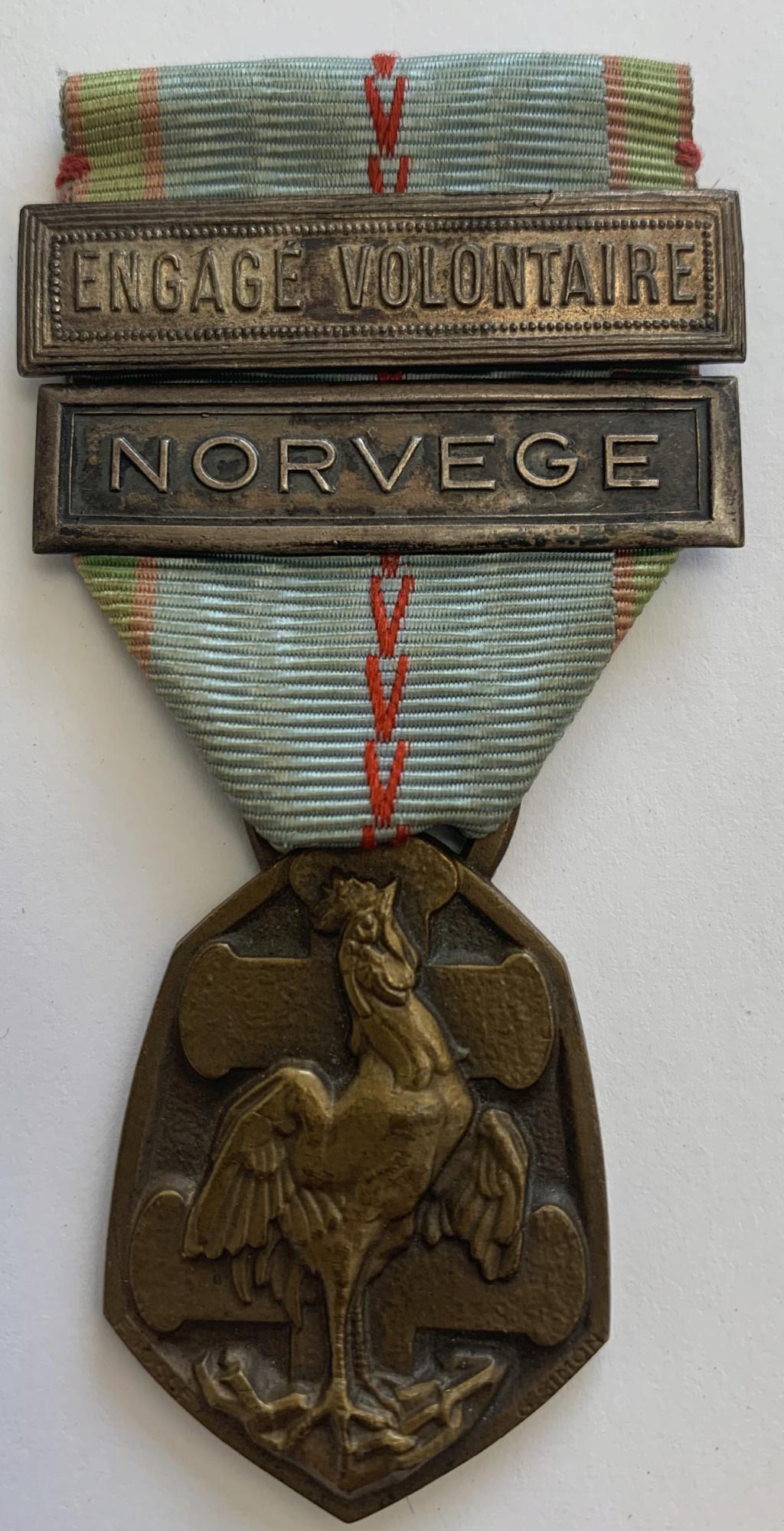 Barrettes médaille commémorative 39-45 Add75b10
