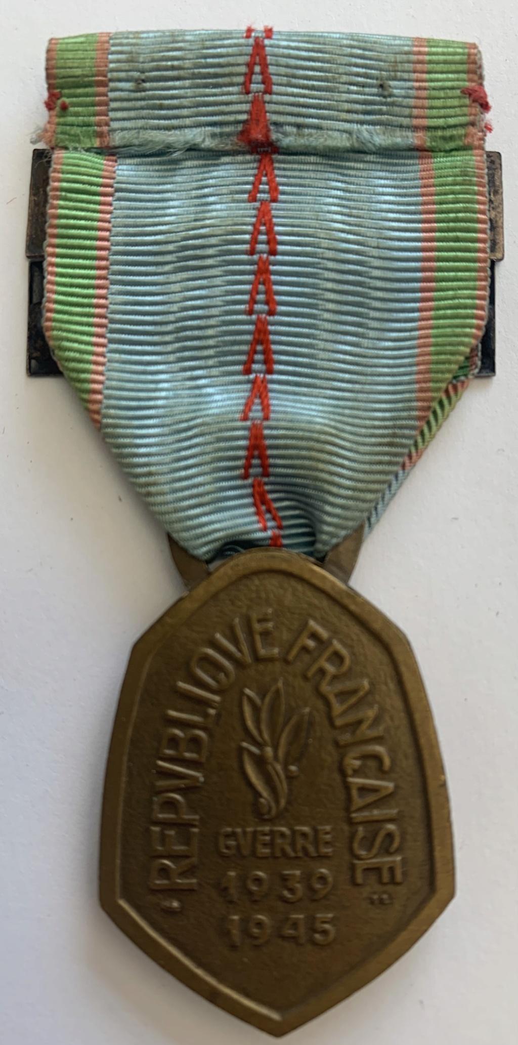 Barrettes médaille commémorative 39-45 F0fdde10