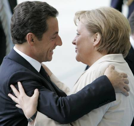Rencontre de M. Nicolas SARKOZY avec Mme Angela Merkel Nicola21
