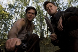 Inglourious Basterds (2009, Quentin Tarantino) - Page 6 Small_32