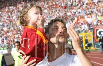 AS Roma 4-3 Messine ( 38ème journée ) - Page 7 Totti_10