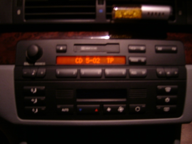 [BMW 320 i E46] Afficher l'heure sur le poste business Photo_10