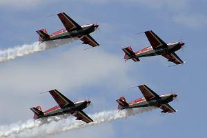 Patrouilles acrobatiques du monde - Page 2 Royalj10