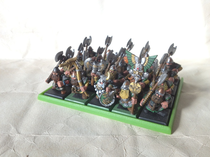 [Armée] Clan Mèche-brun (de Karaz Rhun)  Arme_l10