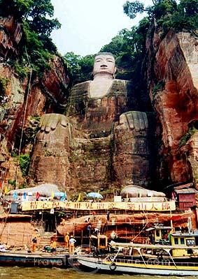 Statues monumentales Leshan10