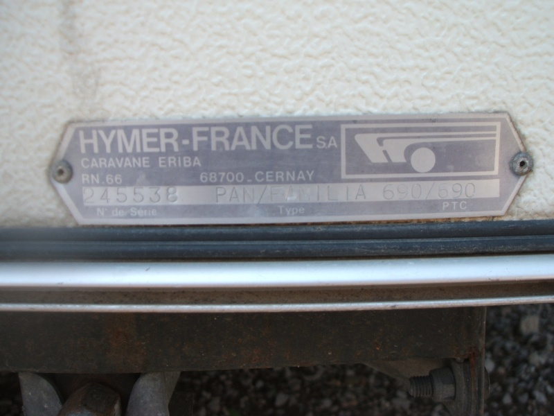 Plaque constructeur Eriba / Hymer [Post Photos] Dscf1911