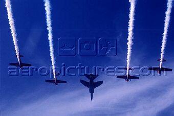 la patrouille acrobatique : la marche verte Sm-04323