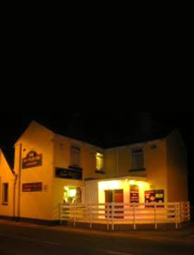 Un fantôme anglais terrorise les tenanciers d'un pub ! Un_fan10