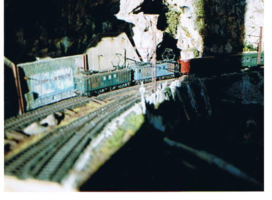 Mon MV 36908 Train_10