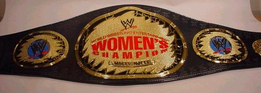Cinturones de los diferentes campeonatos Wwewom10