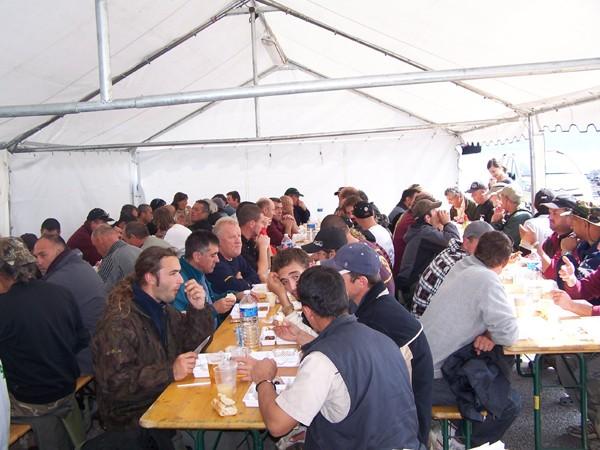 """Grand """" Marathon Silure """" sur le Rhône en septembre 2008 Repas_10"""