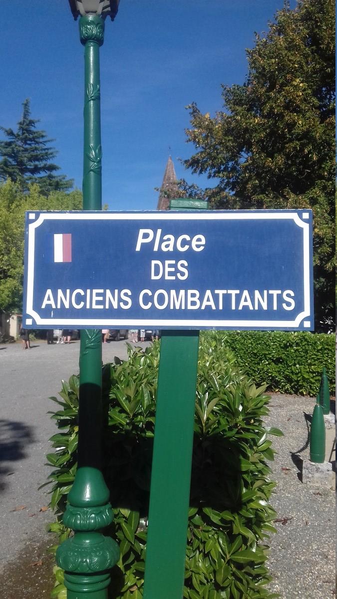 [ Histoires et histoire ] Monuments aux morts originaux Français Tome 2 - Page 8 20180819